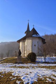 """Manastirea """"Stefan Voda"""" de la Vad"""