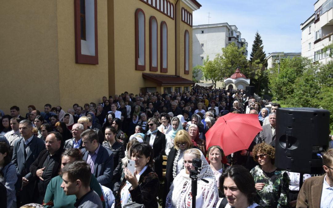 """Sfintirea Bisericii Parohiei """"Pogorarea Sfantului Duh"""" Cartierul Zorilor, Cluj-Napoca"""