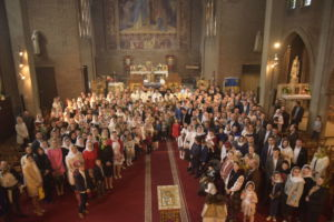 """Sfanta Liturghie, Parohia """"Sfintii Trei Ierarhi"""" Romainville, Paris, Franţa"""