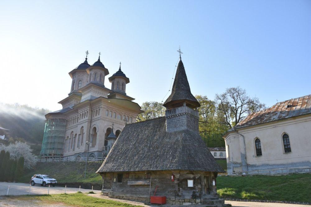 Duminica Sfantului Apostol Toma, Manastirea Nicula